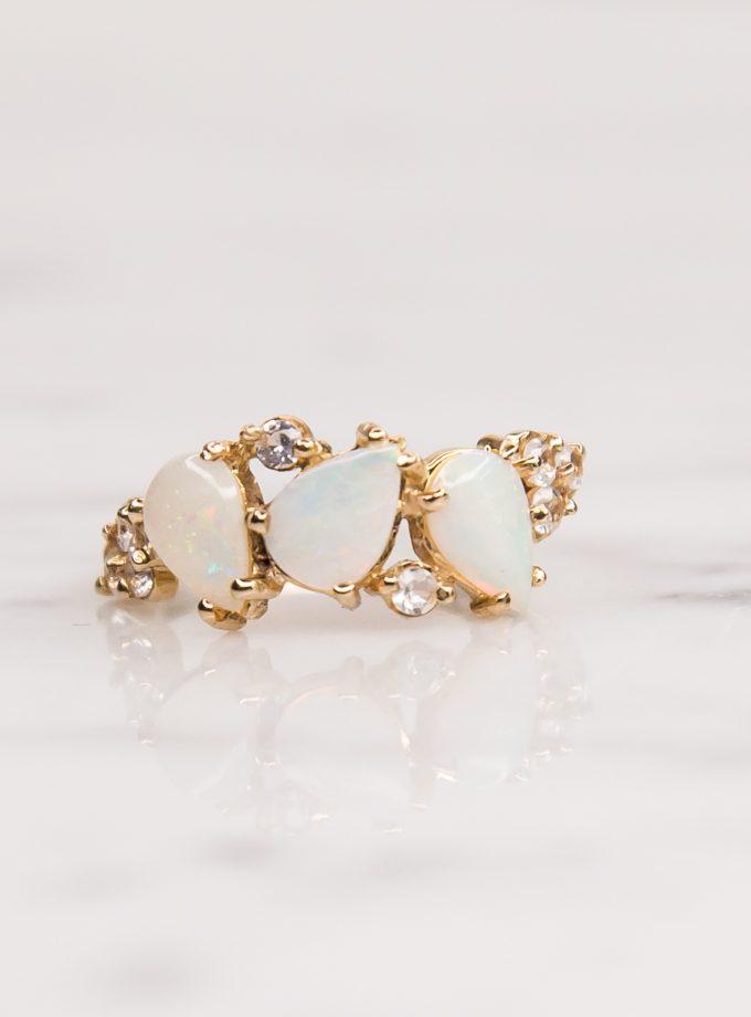 tres piedras blancas