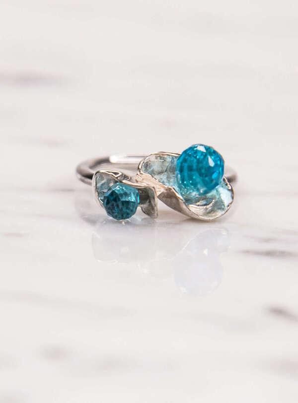 anillo petalos plata foto principal