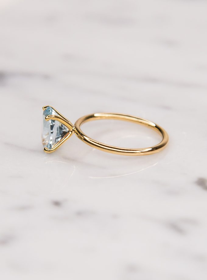 anillo solitario agua