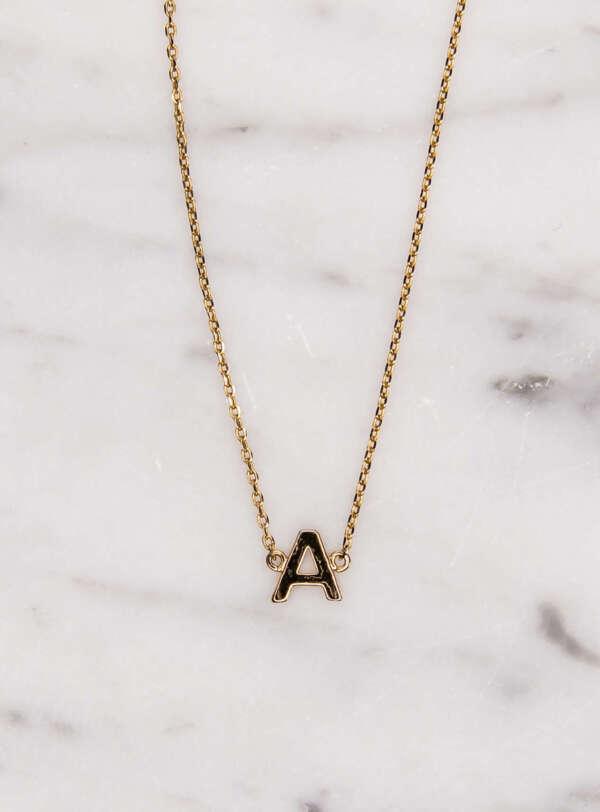 collar letra A