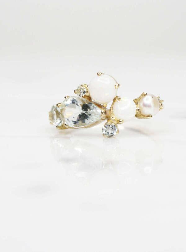 anillo churumbela de oro tres piedras