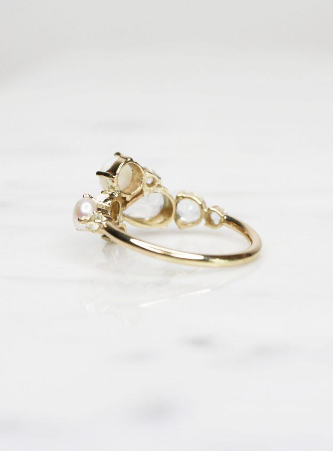 anillo churumbela de oro tres piedras lado
