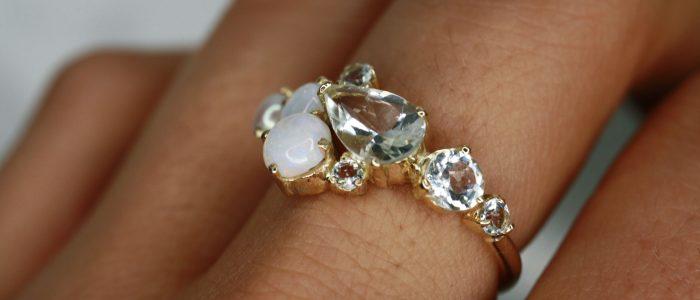 anillo tres perlas