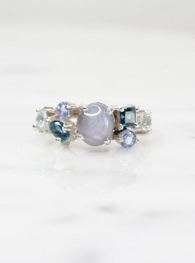 anillo de plata multipiedras