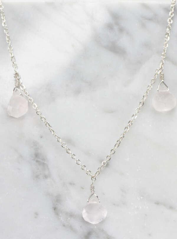 Collar de plata pura con cuarzo blanco