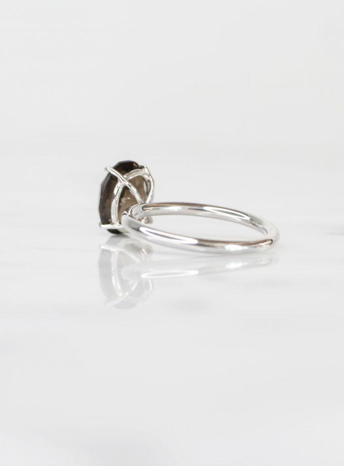 anillo de plata pura con cuarzo ovalado