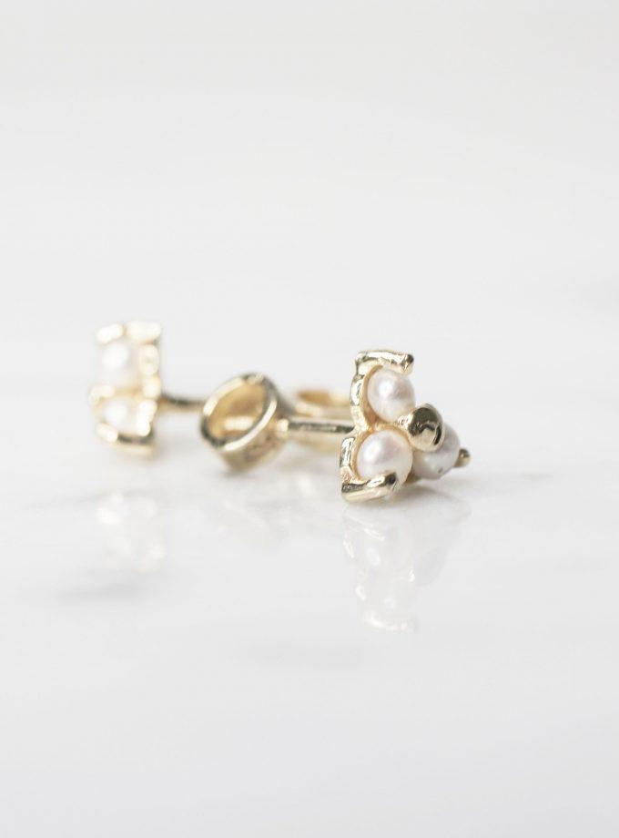 aretes de oro con tres perlas