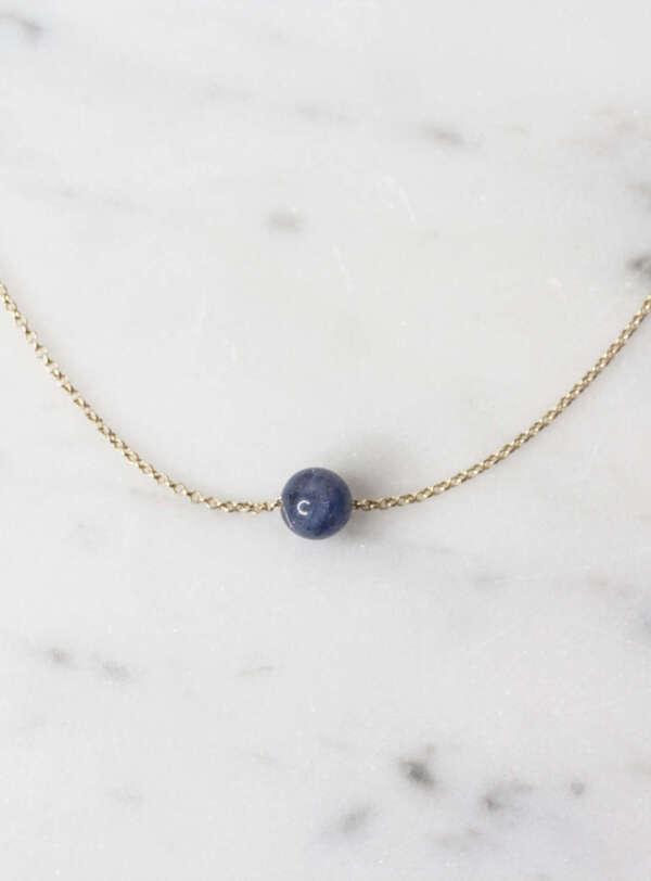 collar solitario azul