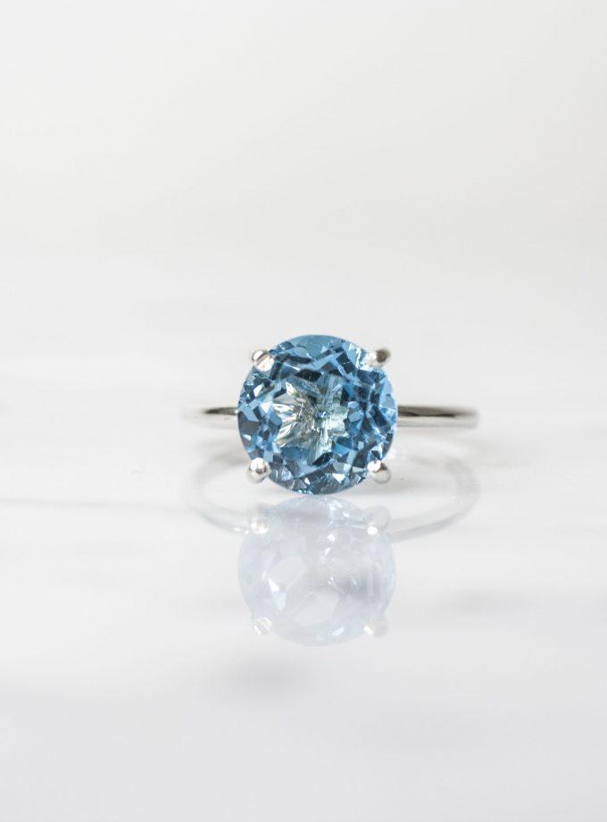 anillo solitario azul