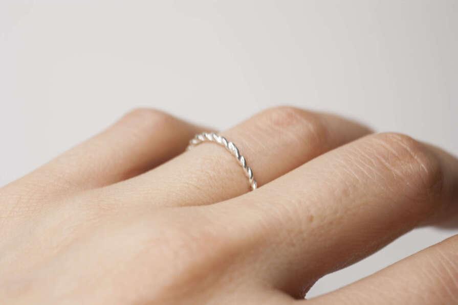anillo trenzado